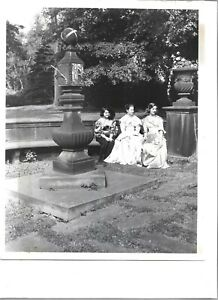 1962 Press Photo Akron OH Stan Hywet Hall Old English Sun Dial 1912