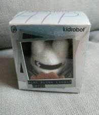 KIDROBOT FRANK KOZIK MINI PLUSH LABBIT scratch and sniff unopened white