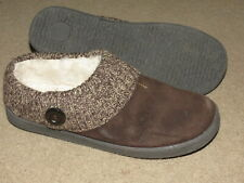 GREAT Clarks leather slippers w/ faux fur lining - womens 10 M 10M