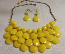 "Vintage Goldtone Metal Faceted Yellow Plastic Bead 21"" Bib Necklace & Earrings"