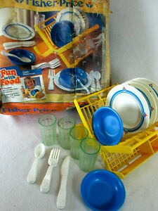 Vintage 1987 Fisher Price Fun with Food Family Dinnerware play set no. 2107
