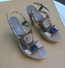 B. Makowsky Zulu Taupe Patent & Embellished Brown Leather 11 M Hardly Worn