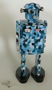 """Camouflage Robot Tin Wind-Up 11.5"""" Tall Schylling NIB Rare Collectible (NEW!)"""
