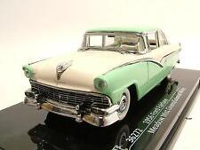 Ford Fairlane 1956 vert/blanc, Modèle de voiture 1:43 / Vitesse