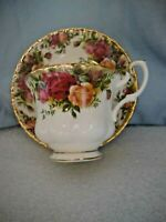 Vintage Royal Albert Old Country Roses Cup & Saucer - England - 1962