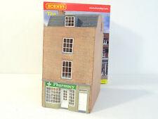 HORNBY SKALEDALE BUILDING THE PHARMACY (LOOK)