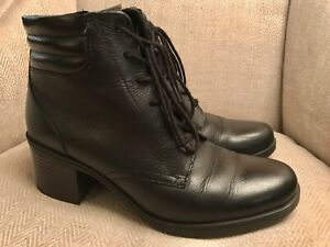 CLARKS BLACK LEATHER ANKLE BOOTS WITH BLOCK HEEL SZ 6.5 UK EXCELLENT CONDITION!