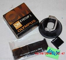 OLYMPUS OM System Eyecup 1; Klappe für Blitzlicht (A00027)