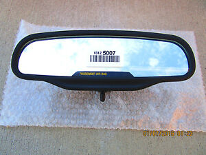 03 - 06 CHEVY SILVERADO BASIC REAR VIEW MIRROR WITH PASSENGER SIGN NEW 15125007