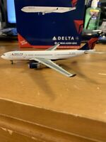 Gemini Jets Delta Airlines Airbus A330-200 N858NW GJDAL1122 1:400 Scale Model