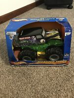 Very Rare 2001 NEW IN BOX Hot Wheels Monster Truck Grave Digger Motorized