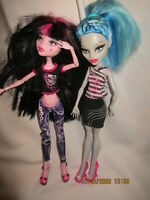 Monster High Dolls Ghoulia Yelps Draculaura with clothes & shoes lot of 2