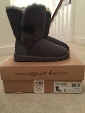 UGG Australia Bailey Button Women US 5 Gray Winter Boot93 UK 3.5
