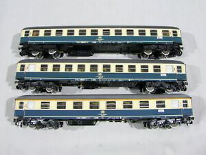 Group of 3 MARKLIN HO SCALE PASSENGER CARS - ONE HAS SPOT ON ROOF