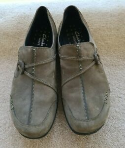 Clarks Wave Olive Slip on Leather Women's Loafer Shoes 8.5M New In Box