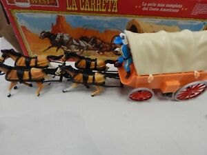 1/32 scale Western Covered Wagon boxed