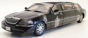 Sunstar 1/18 Scale Model Car 4202 - 2003 Lincoln Town Car Limousine - Black