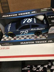 1:24 Martin Truex Jr. #78 Auto-Owners Insurance 2018 Camry