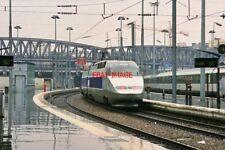 PHOTO  FRENCH TRAIN - SNCF TGV PARIS MONTRAPARNASE 1995
