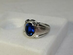 Vintage .925 Sterling Silver Sapphire Blue Gemstone Ring