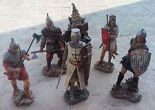 6 Figuras de resina medievales - 29 cm