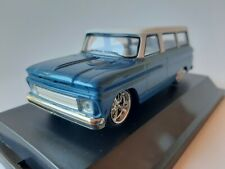 1/43 o GREENLIGHT 86059 1966 CHEVROLET SUBURBAN BLUE WITH WHITE ROOF