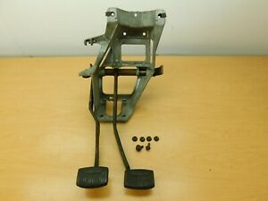BRAKE AND CLUTCH PEDALS ASSEMBLY 1980-86 FORD TRUCK BRONCO MAN. TRANS. 80TF1-1C6