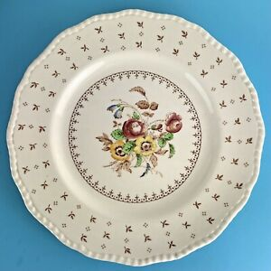 Vintage Royal Doulton Breakfast / Lunch Plate  WARWICK D.5916 Dia 9 inches 23 cm