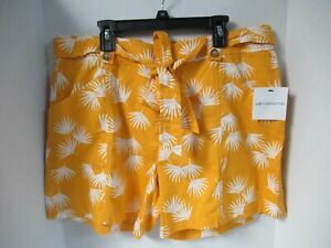 Women's LIZ CLAIBORNE  GOLD PALM    Waist W/Belt  Shorts 10  NWT