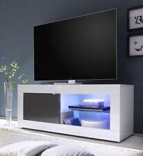 Moderne Möbel aus MDF/Spanplatten in Holzoptik