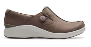 Clarks Unstructured Leather Slip On Shoes Un Loop 2 Walk Taupe