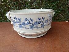 Antigua sopera de cerámica de Saint Uze art popular
