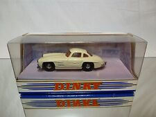 DINKY TOYS DY12 MERCEDES BENZ 300SL GULLWING - OFF-WHITE 1:43 - NEAR MINT IN BOX