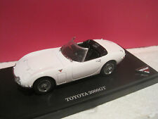 SUPERBE TOYOTA 2000GT OPEN CAR WHITE  NEUF EN BOITE 1/43 KYOSHO