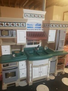 STEP 2 DELUX KITCHEN life style Play Kitchen LOCAL PICKUP ONLY MADE IN USA