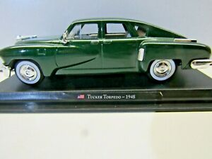 Amercom Collection 1:43 Scale Die Cast Model 1948 Tucker Torpedo - Green