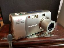 Olympus CAMEDIA D-540 Zoom 3.2MP Digital Camera - Silver with 2 GB memory card!