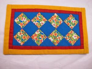 """World of Miniature Bears  4""""x7"""" Quilt #751C  Collectible Miniature"""