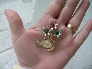 VINTAGE MOTHER BROOCH MULTI COLOURED FLOWERS & MOTHER OF PEARL