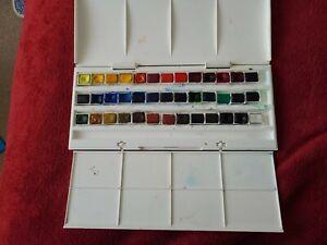 Winsor & Newton Watercolour 39 Half Pan Paint Set - hardly used