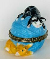 """Midwest of Cannon Falls """"Kittens on Ball of Yarn"""" Porcelain Hinged Box EXCELLENT"""
