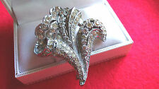 Vintage Jewellery - Gorgeous Rhodium-Plated Fleur De Lis Paste Pin Brooch