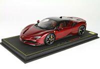 Ferrari SF90 Stradale Rosso Fiorano completa di base e vetrina scala 1/18