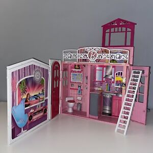 Barbie Glam Dream Vacation House Carry Handle Fold Out Playset Mattel 2009 R4186