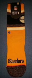 NWT MSRP $18 Womens Pittsburgh Steelers Crew Socks Small  5 - 7.5  Med 8 - 10.5