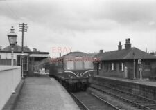 PHOTO  KIRKINTILLOCH STATION - 3 CAR SUBURBAN SET WITH SERVICE FOR GLASGOW (QUEE