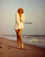 MARILYN MONROE PIN-UP POSTER SIZZLING HOT BEACH PHOTO WHAT INCREDIBLE MUDDY LEGS