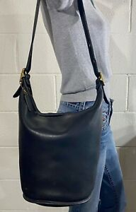 Vtg COACH XL Duffle Black Leather Shoulder Bucket Feed Bag 9085