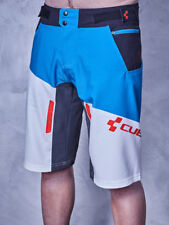 Cubo Action Shorts PILOT TALLA XS Blanco ´n´ Azul ´n´ Rojo Pantalones Cortos
