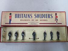 Britains 2071 : Royal Marines Present Arms bel état en boite originale.